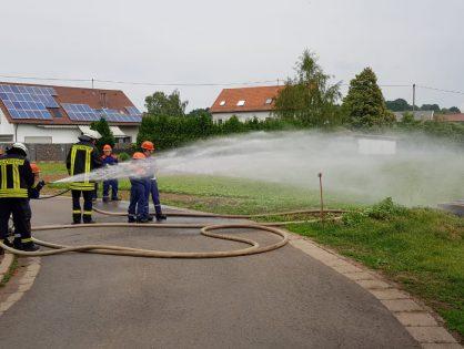 Schauübung der Jugendfeuerwehren Aschbach und Dörsdorfam Tag der offenen Tür des LB Dörsdorf